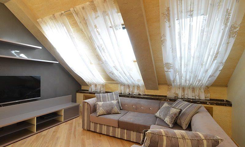 Дизайн-проект гостиной под крышей